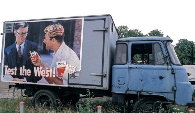"""Pressematerialien zum Bildband """"Wendejahre. Ostdeutschland 1990 – 1995"""" von Daniel Buskup"""